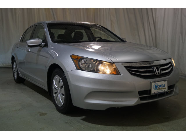 Pre-Owned 2012 Honda Accord 4dr I4 Auto LX