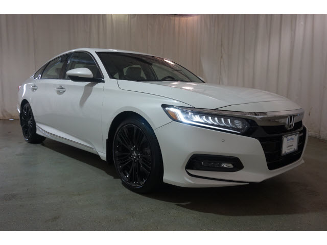 2018 Honda Accord Pictures >> Pre Owned 2018 Honda Accord Touring 1 5t Cvt Fwd 4dr Car